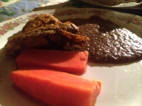 Chicken, papaya slices and beans. Why didn't take a picture of that awesome bread?!